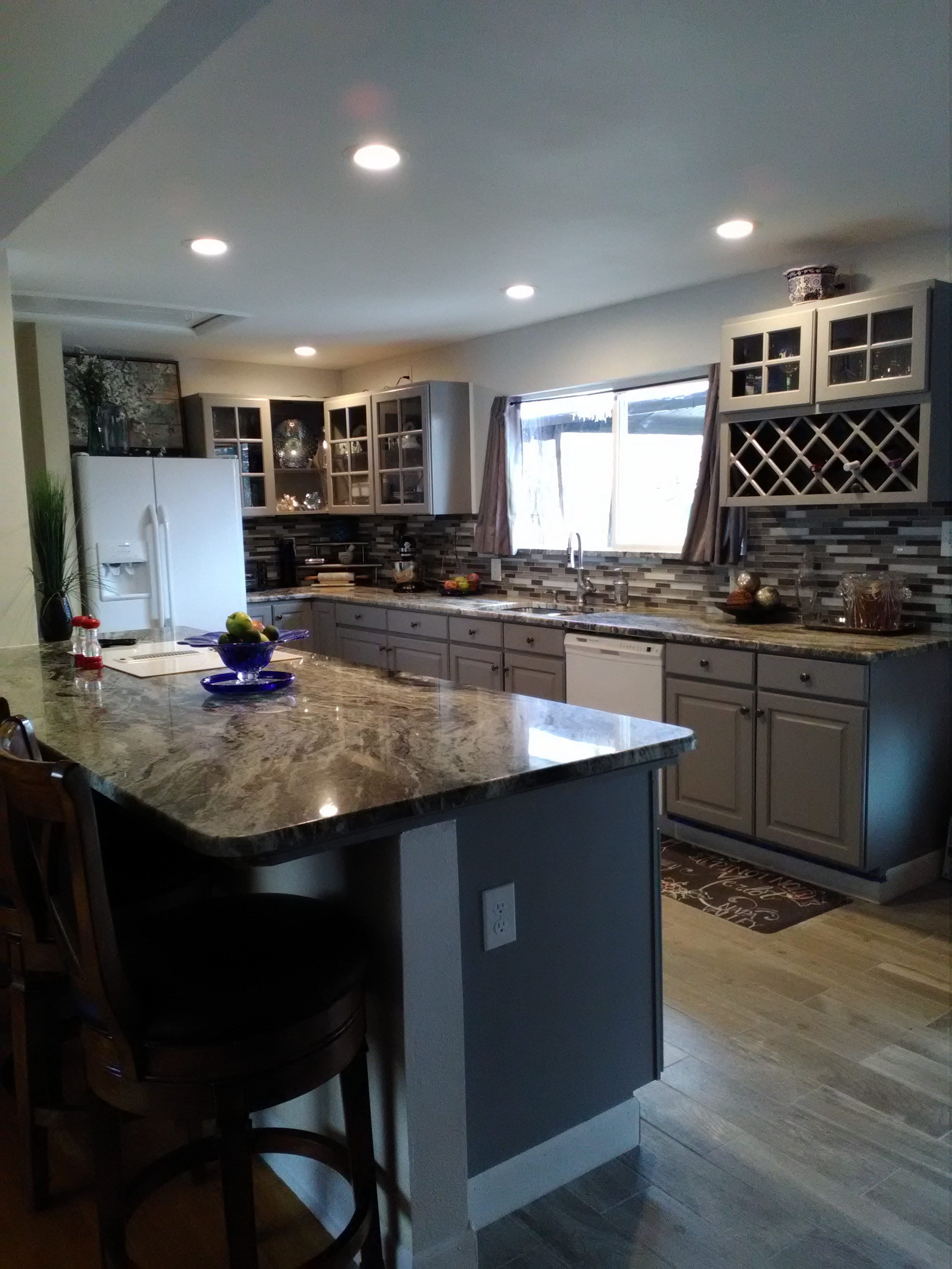 Carla In Aurora Purchased Used Kitchen Cabinets With Glass Doors Recently From Buds Warehouse Bud S Warehouse